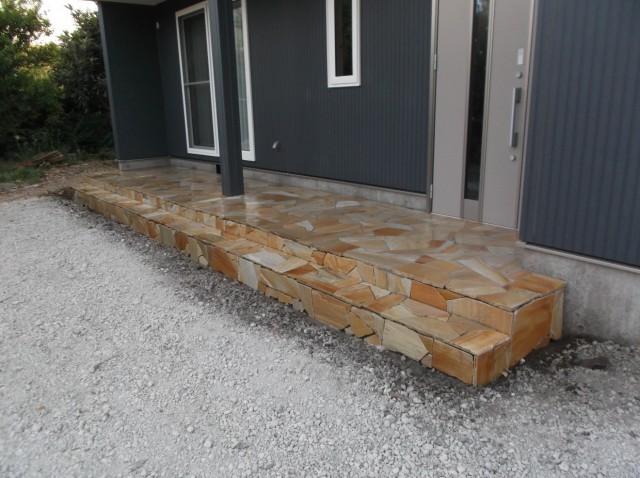 画像:石貼り工事