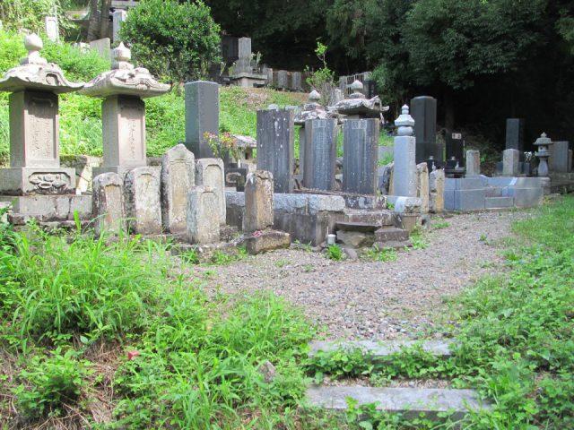 画像:長野県上田市 お墓の改修工事(リフォーム工事)①